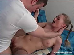godes, bas, pipes, jouets, russes, facefuck, jeune fille, blondes, anal,