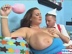Bbw rose valentina knows how to handle guys