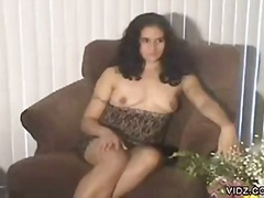 Brunette, voluptuous bitch exposed herself