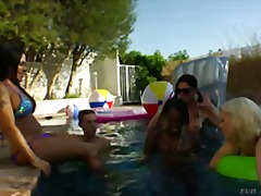 blowjob, oral, party, hardcore, group, draußen, pool, orgie, shemale