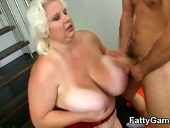 Bbw bod shakes as he plows her