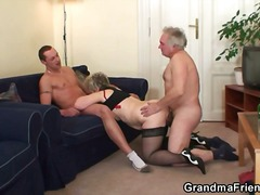 blond, ouma, kom skoot, driesaam, hard, bj, hand job