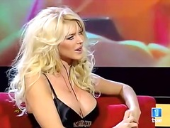 sani uriasi, blonde, sex in public, celebritati, lesbiene, singure