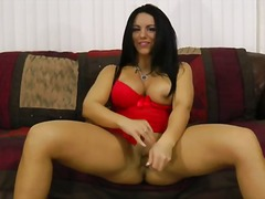 Bella reese enjoys playing hard with herself