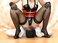 Nylons face sitting