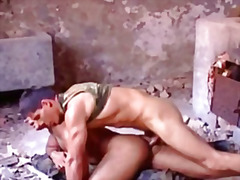 Horny muscle gets blowjob