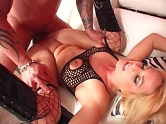 Squirting bitch in boots and fishnets nailed