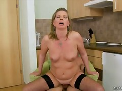 Experienced woman laura long seduces her young neighbor and presents him hot satisfaction