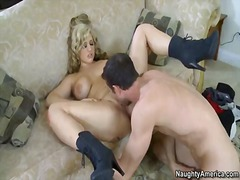 Wet Place:  pornstêr, blond,