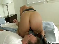 Gorgeous kelly divine sitting on face of dude