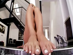 Amy Brooke, blond, voet fetish, poesie